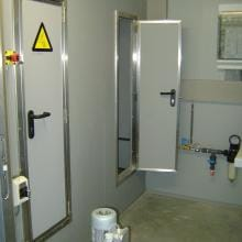 zeer kleine deur voor luchtwasser